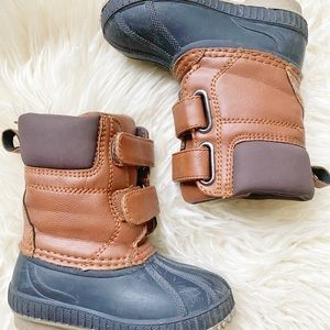 Gap Thinsulate Duck Boots size 5T/6T